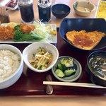 88808574 - たまごの中華餡かけと、ヒレカツの定食…840円