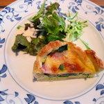 鎌倉パスタ - 季節の前菜:キッシュ
