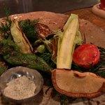 エンボカ京都 - ●本日の窯焼き野菜の盛り合わせハーフ900円 (大原や京都を中心に勢いのある野菜達。本日お薦めの7〜8種類を盛り合わせで焼き上げます。