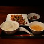 石庫門 - 辣子鶏とミニ麻婆セット