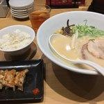 一風堂スタンド - 白丸元味セット(白飯+博多ひとくち餃子ハーフ5個)