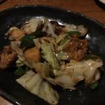 雑草家 - キャベツと豚カルビの辛味噌炒め