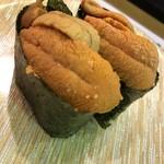 廻鮮寿司 塩釜港 - 生雲丹、前回とは明らかに盛りが違い少ないです