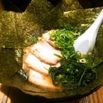 88837020 - チャーシュー麺+のり