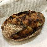 パンやきどころ RIKI - カシスオレンジとホワイトチョコ ¥270+税