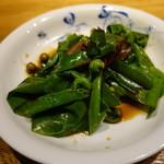 88844205 - オオタニワタリ(山蘇花という山菜)と鹿ベーコン、樹子の炒め