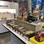 ママのえらんだ元町ケーキ - 焼き菓子や、ギフトが並びます(2018.7.7)