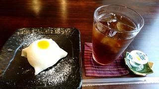 さくら茶屋 - レアチーズ大福セット(850円)