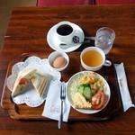 るぽ - 料理写真:ホットサンドウィッチモーニングセット680円、ゆでたまご+80円