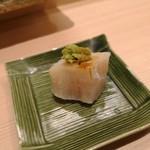 鮨みやもと - 天然ホタテ刺身 炙り