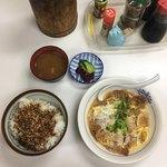 とり久 - 料理写真:カツとじ定食  ¥730