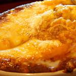 スマイルガーデンカフェ パーラーふくだ - パルメザンをかけて食べるとさらに美味しい。