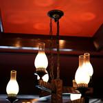 スマイルガーデンカフェ パーラーふくだ - 控えめで綺麗な照明。