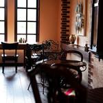 スマイルガーデンカフェ パーラーふくだ - 大きな窓があり自然光もいっぱい。