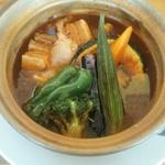 スープカレー&ステーキ 傾奇 - 角煮カレー
