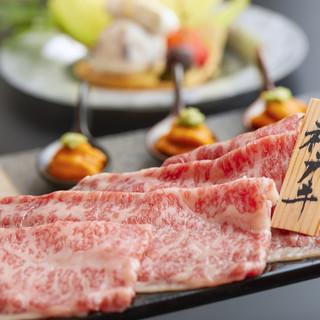 個室空間で美女と楽しむ最高級神戸牛