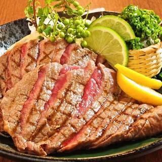 夏は焼肉!ステーキ!スタミナ満点のお料理をご用意しております