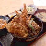 お食事処 大川 - 料理写真:上天丼 1000円(お昼は税込)海老3尾、きす、茄子、なんきん、しし唐