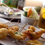 Ageemon - 人気のおすすめセット!!1ドリンク(生ビール等)+串かつ10串+野菜ステック¥1575