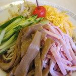 東来軒 - 冷麺800円