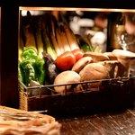 bar 松虎 - この中から好きな野菜を選んで焼いてもらいます