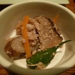 こけこっこ - お通し:根菜の鶏そぼろ煮