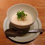LIAISON - ずわい蟹のカクテル、じゃがいもとセロリのサラダ