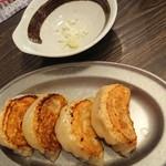 SAPPORO餃子製造所 - 餃子 葱の入った小鉢
