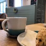ニチニチコーヒー - 料理写真:コーヒーとスコーン