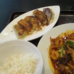 沸騰漁府 - ランチ焼き餃子