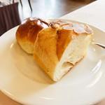 近江牛レストラン ティファニー - パン お代わり自由だそう