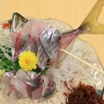 沼津魚がし鮨 - 泳ぎあじ刺身