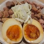 88877165 - 炙りレア焼豚丼