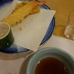 青山ガーデンリゾートホテルローザブランカ - 半分食べた。やわらかくてちょっと甘いめの海老…。あんまり嬉しくない。