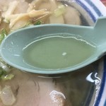 88884205 - 透明度の高いスープ