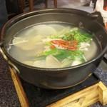 88887742 - アサリのスープは優しい味でほっとします