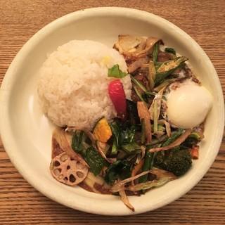 MOMO curry - 欧風CURRY+季節の素揚げ野菜