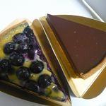 Tarterie PETITE USINE - 料理写真:ブルーベリータルトとショコラタルト