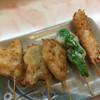 ヨネヤ - 料理写真:生中セット¥980の串かつ5本。 きす、牛、れんこん、あおと、えび。