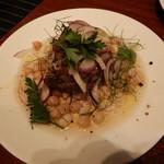 ラ ボッテガ デル オーリオ - パルマ豚のキャンティ風オイル漬け(ツナっぽく)、白いんげん豆とヒヨコ豆