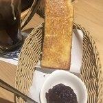 コメダ珈琲店 - 名古屋名物(´∀`*)あんトースト モーニング クリームが すぐ溶ける…