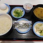 松屋 - 定番朝定食¥320-