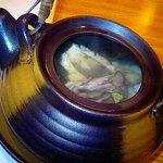 889883 - 椀 舞茸と鱧の土瓶蒸し