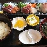 しらす亭 - 刺身定食 1296円 ご飯おかわり無料