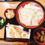 めん小町 - 料理写真:ひもかわ