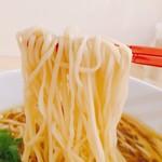 すすり - 麺アップ