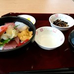 市場食堂 - 海鮮丼1500円税込