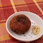 ビストロ ラ コケット - 豚足と挽肉のコロッケ。