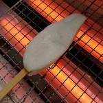 松島蒲鉾本舗 - 笹かま手焼き体験1本200円