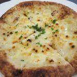 キッチン イノッセ - 本日のピザ(4種のチーズ)